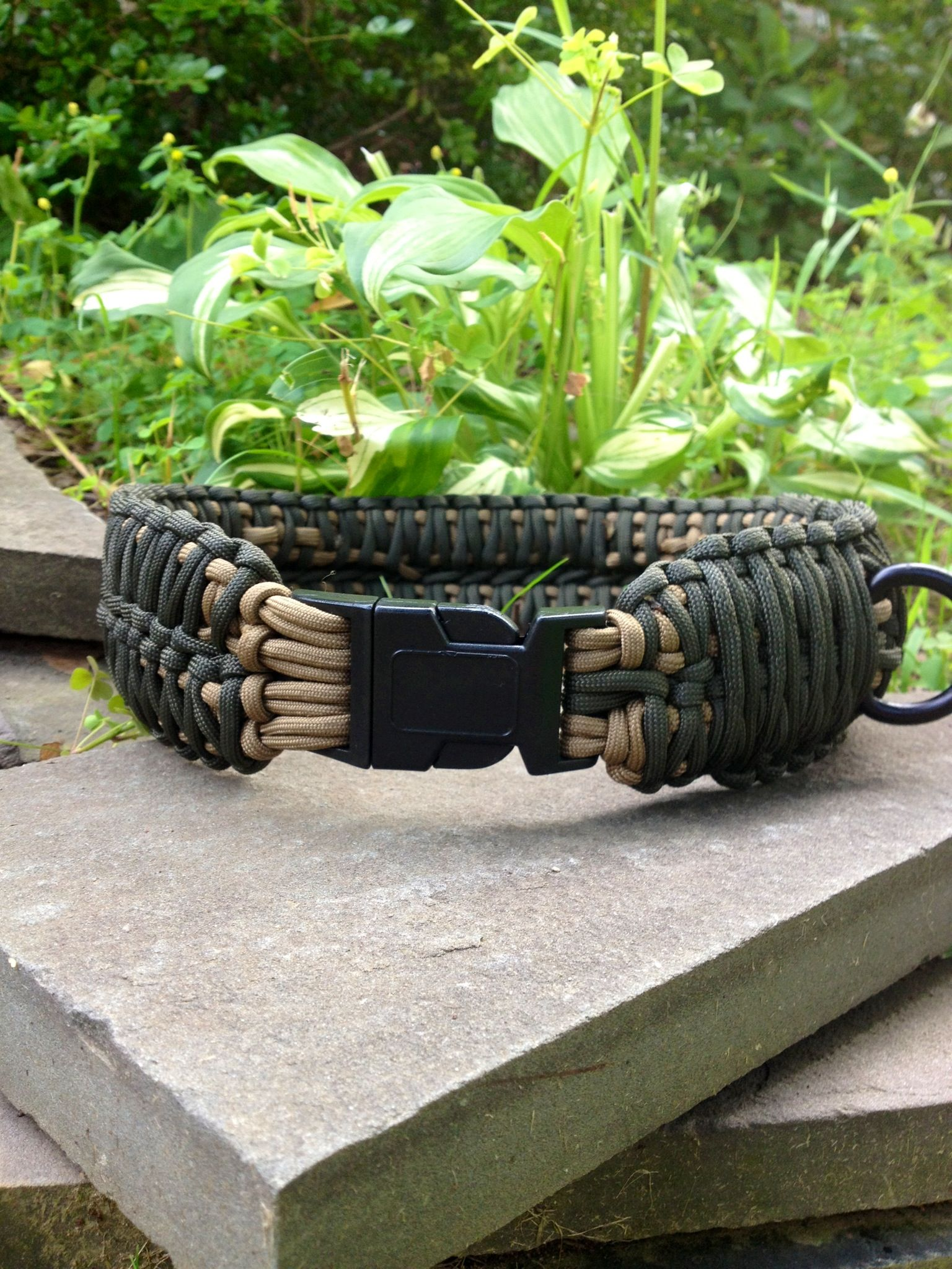 This is a dog collar that has a double king cobra weave and it's been handmade to weaved together. A unique way to show more rugged for either a small or larger dogs. We are able to do a solid or a combination colors. You have over 80 feet of paracord to use just in case for an emergency situations. The 550 paracord dog collar is water and mildew resistant. When ordering, specify the color and the measurement of the dog's neck. Let us make your custom dog collar today.