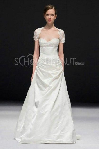 triumph   Hochzeitskleider   Pinterest   2015 wedding dresses ... b108a7b9ec