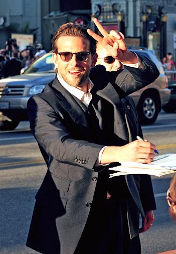 b6e548ce784 Bradley Cooper impeccable
