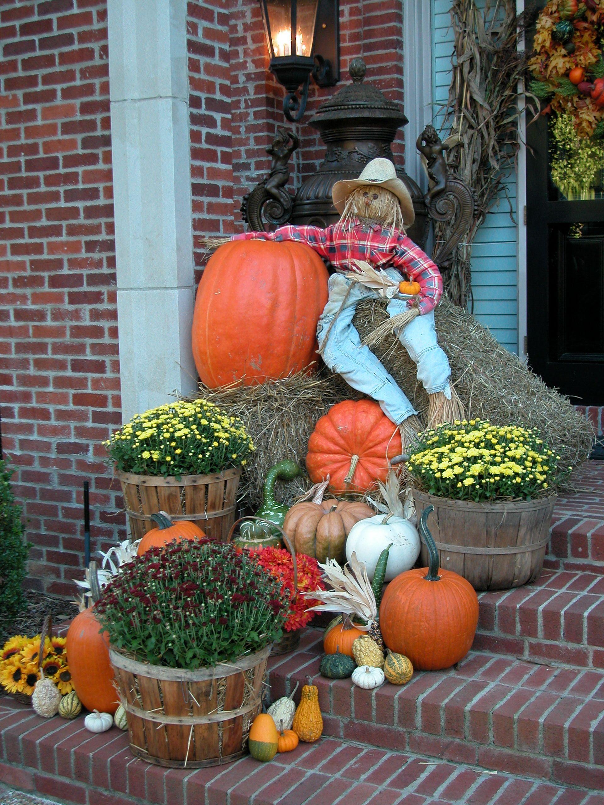 Halloween Fall yard decor, Fall mailbox decor, Fall