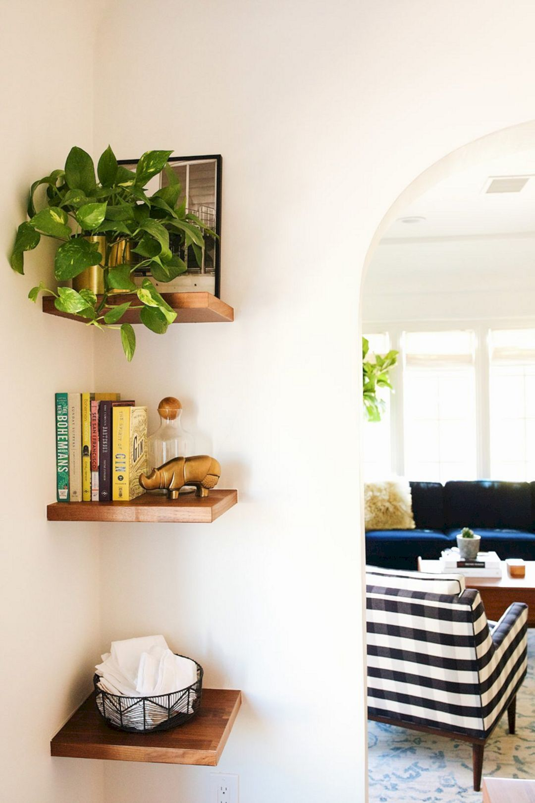 23 Diy Floating Shelves Decorating For Amazing Living Room Ideas