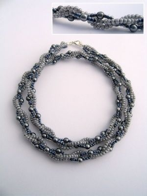 Bead weaving necklace