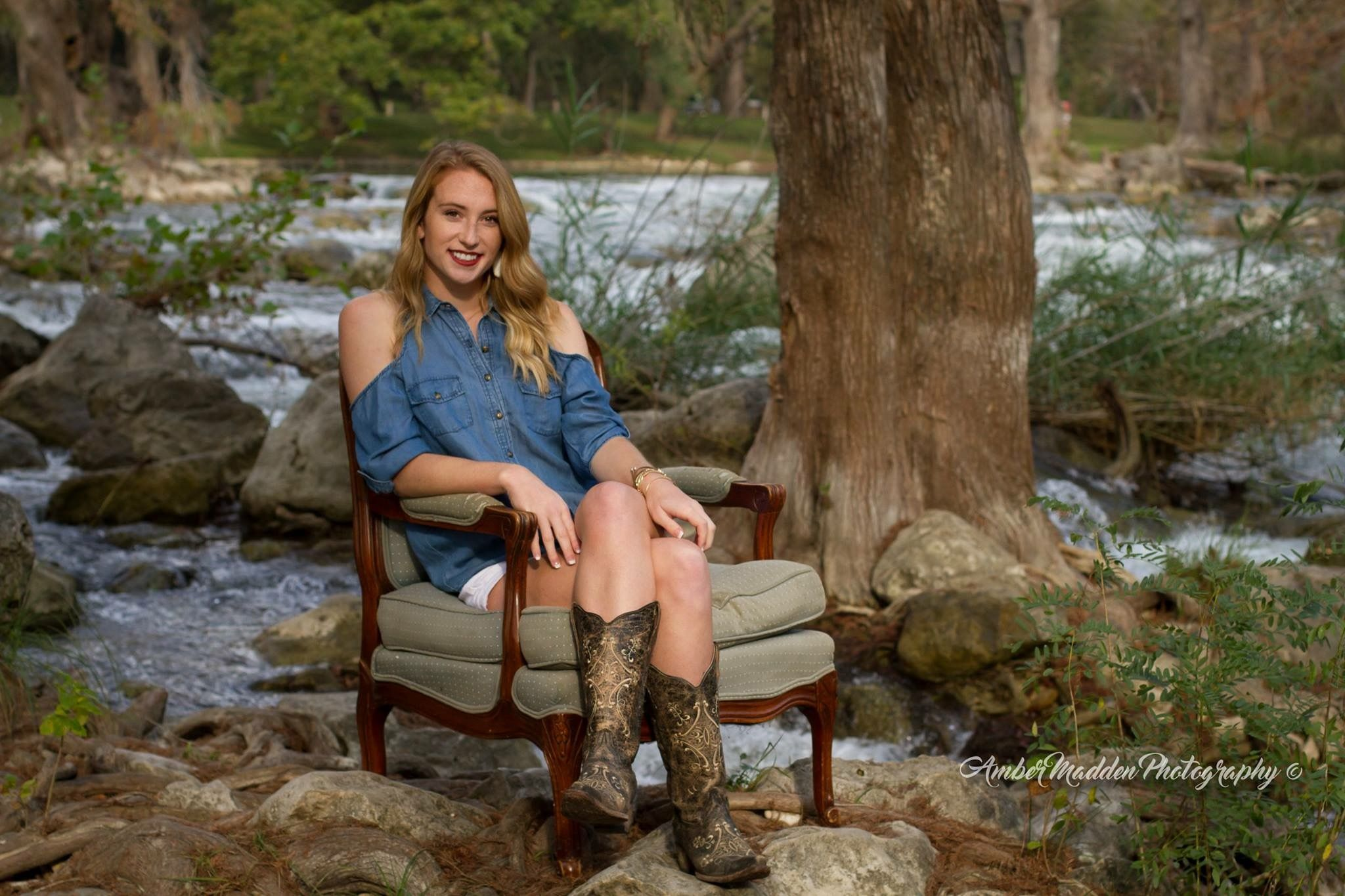 Amber Madden Photography, senior photography, river, Gruene, New Braunfels, Guadalupe River