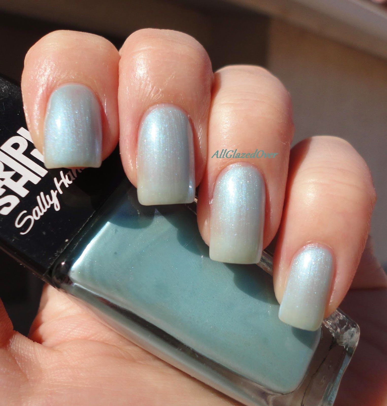 Party Favor - Vivid Teal Holographic Nail Polish by ILNP