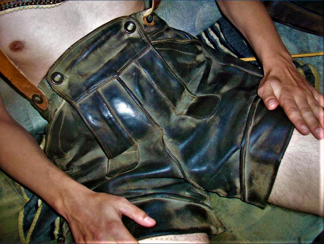Alte speckige lederhosen