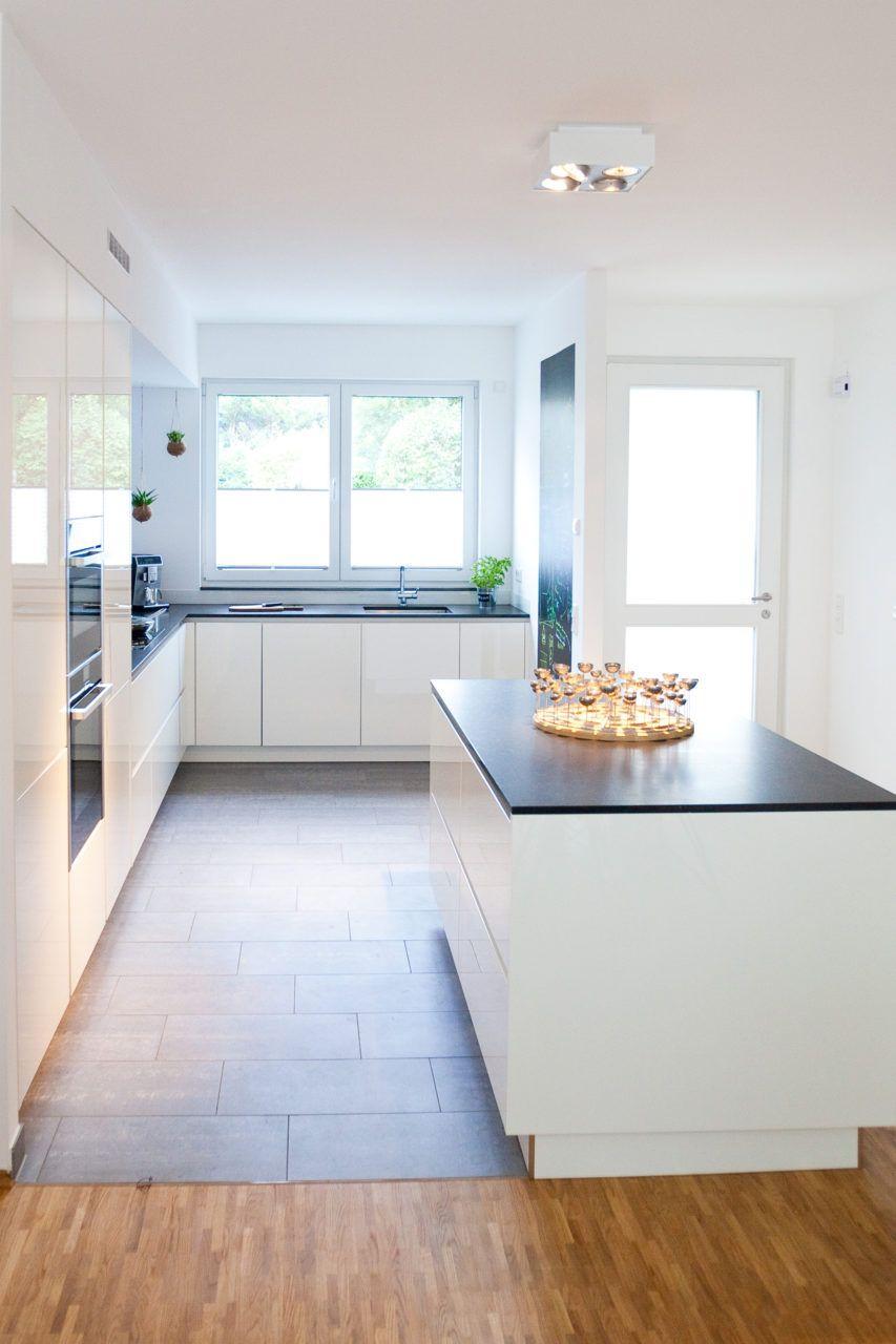 Moderne Küche Mit Kochinsel Kaufen ...