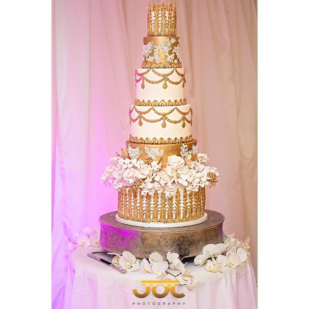 Wedding cake by the award winning elizabethscakeemporium