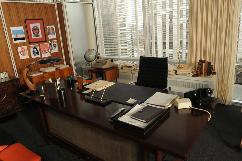 Want Don Draper S Office From Mad Men Here S How To Get It Male Office Decor Office Design Interior