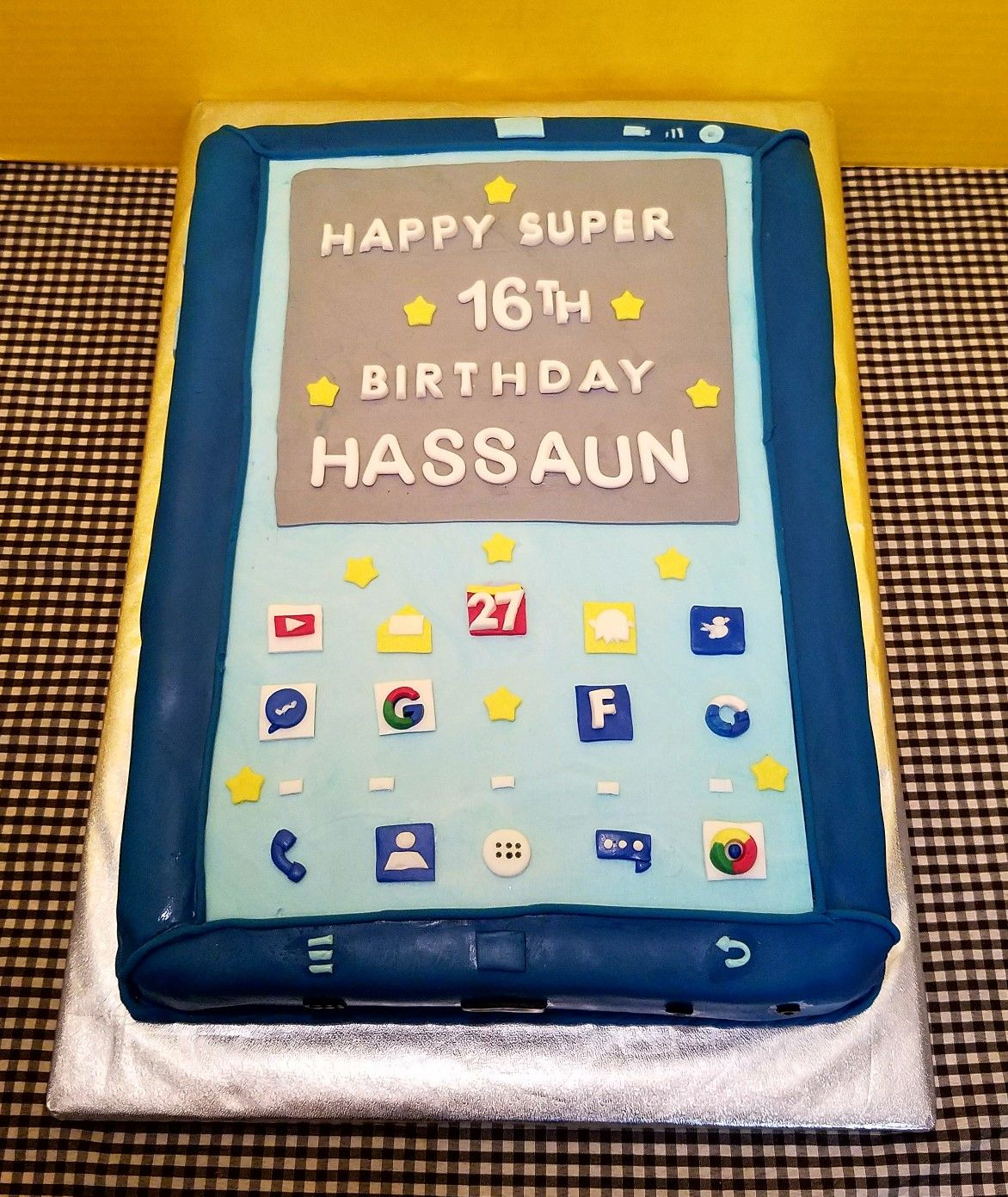 Fondant Cell Phone Birthday Cake My Creations Pinterest