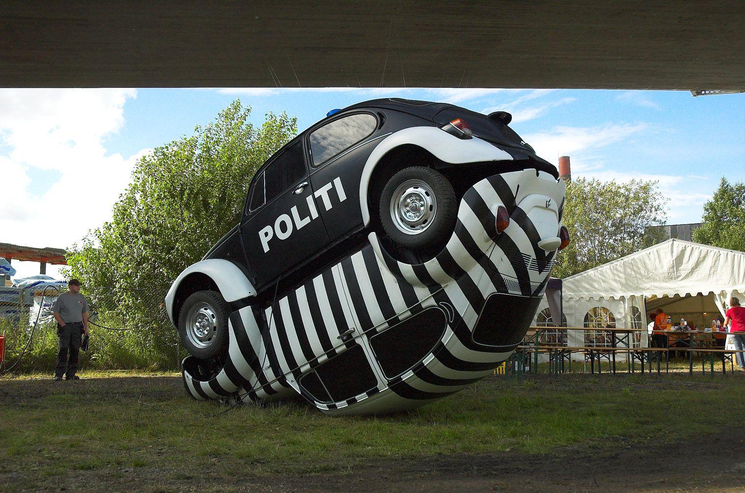 """Beetle sculpture - """"Polti&Røver"""" Skulpturen ble laget til Under brua festivalen i august 2010. (Sponset av Møller Bil)"""