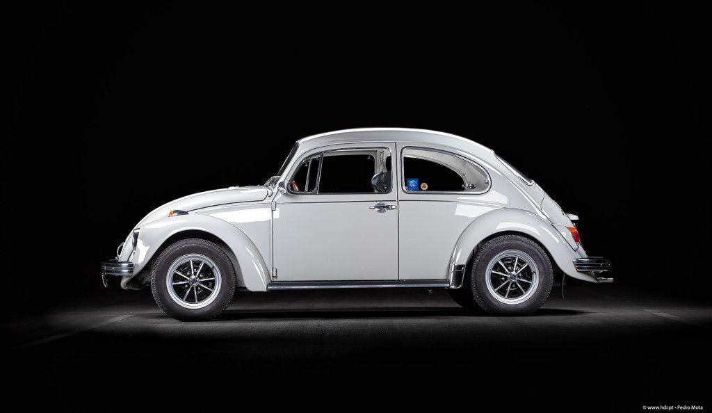 Modelo: VW 1500 Ano: 1968 Cilindrada: 1493 cm3 Potência: 44 cv às 4000 rpm Velocidade máxima: 130 km/h Caixa de velocidades: 4 velocidades sincronizadas Transmissão: Traseira Observações: Volante Speedwell, Vidros laterais traseiros de abrir pop-out, manómetros e conta rotações VDO, Jantes EMPI Lemmertz, Radio Blaupunkt Emden.