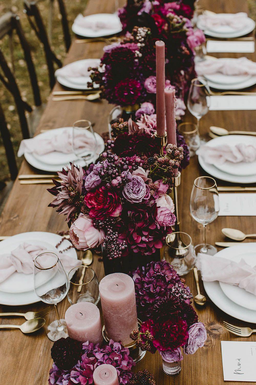 ¡Una boda en tonos baya encaja perfectamente a fines del verano! # boda #weddi …