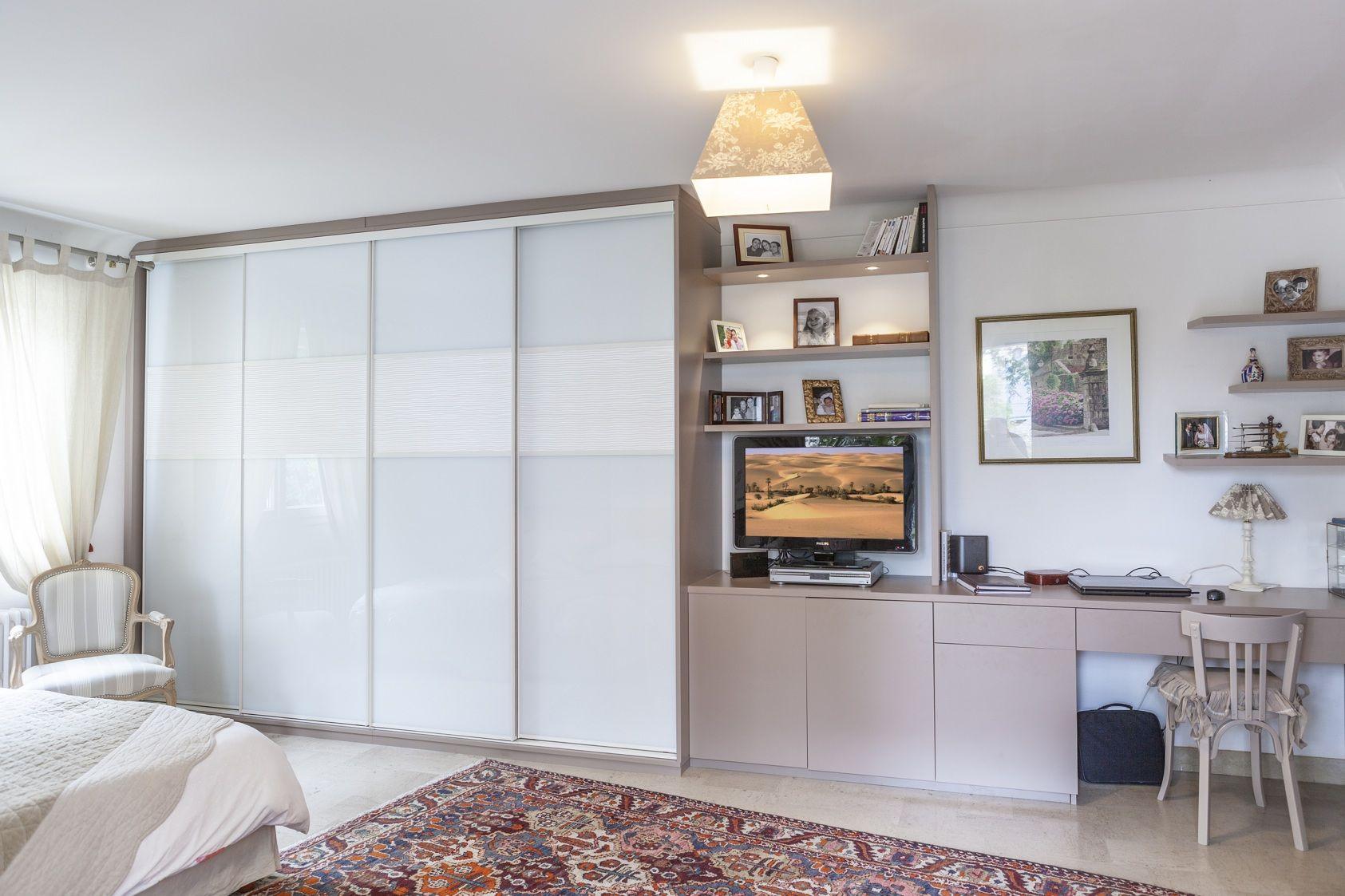 Placard Sur Mesure Portes Coulissantes En Verre Laque Blanc Placard Design Armoire Design Amenagement Placard Chambre