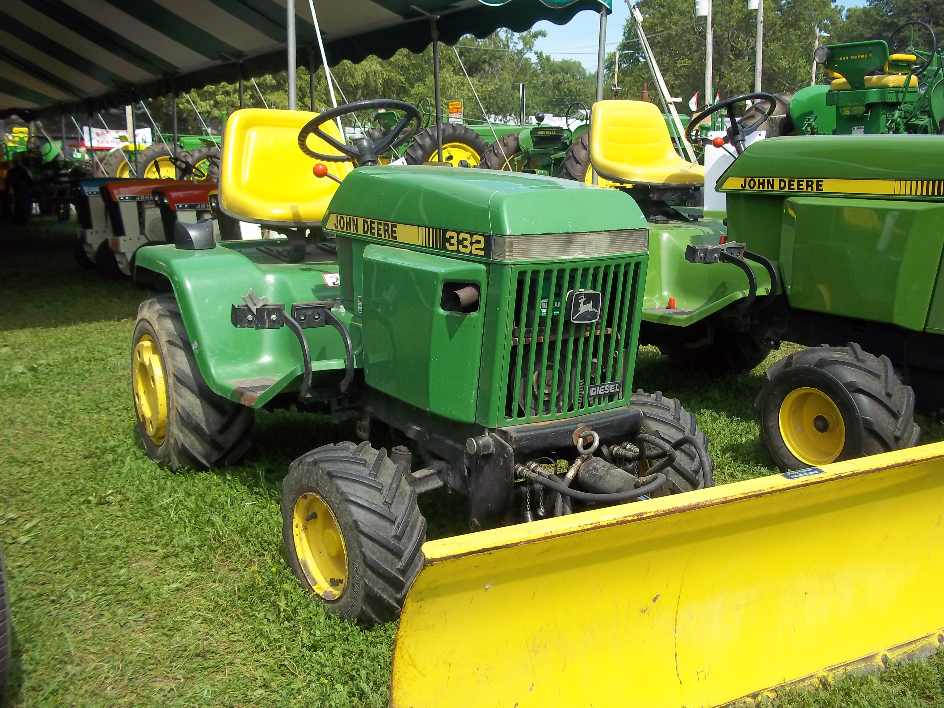 John Deere 332 >> 332 With Yellow Bulldozer Blade John Deere Equipment John Deere