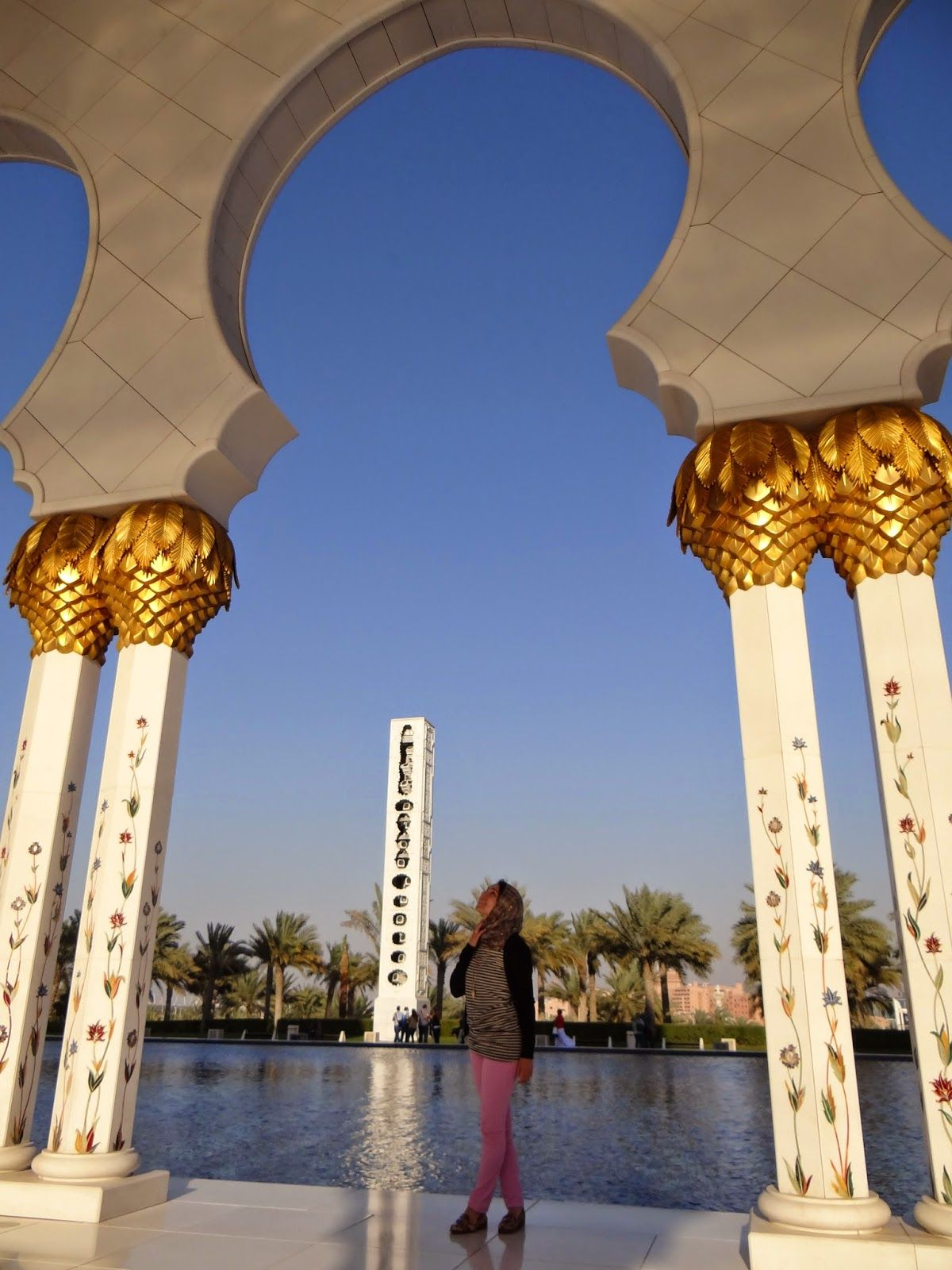 Sheikh zayed grand mosque abu dhabi travel pinterest grand my last day i spent by myself at my cousins rooftop pool i purchased this journal in the mall of the emirates from the japanese store solutioingenieria Choice Image
