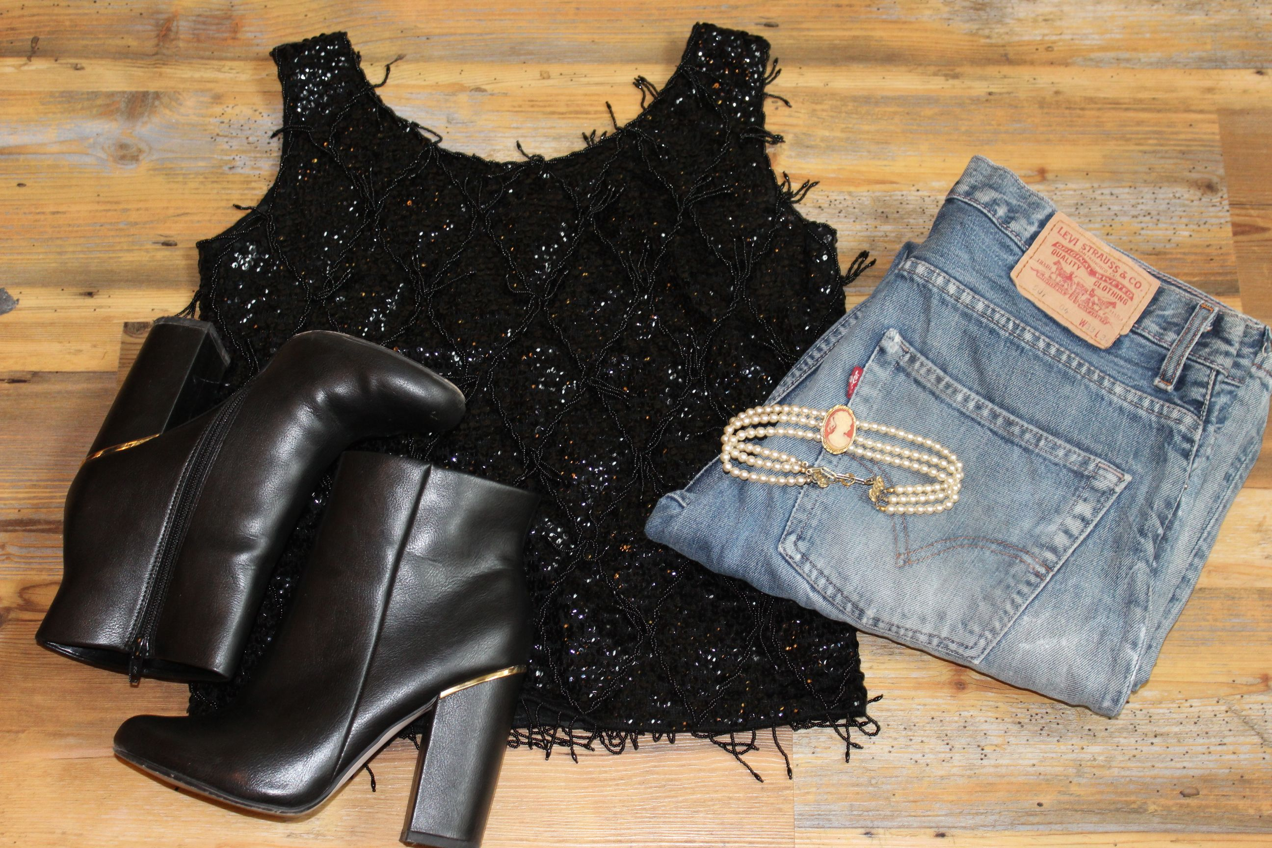 Sparkles and skinny jeans ready for the weekend in Cardiff Emporium #weekendvibes #fridayfeeling