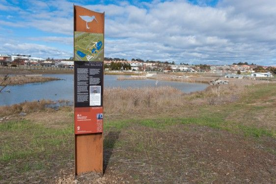 Gungahlin Valley Ponds – Environmental graphics by Screenmakers of Australia.