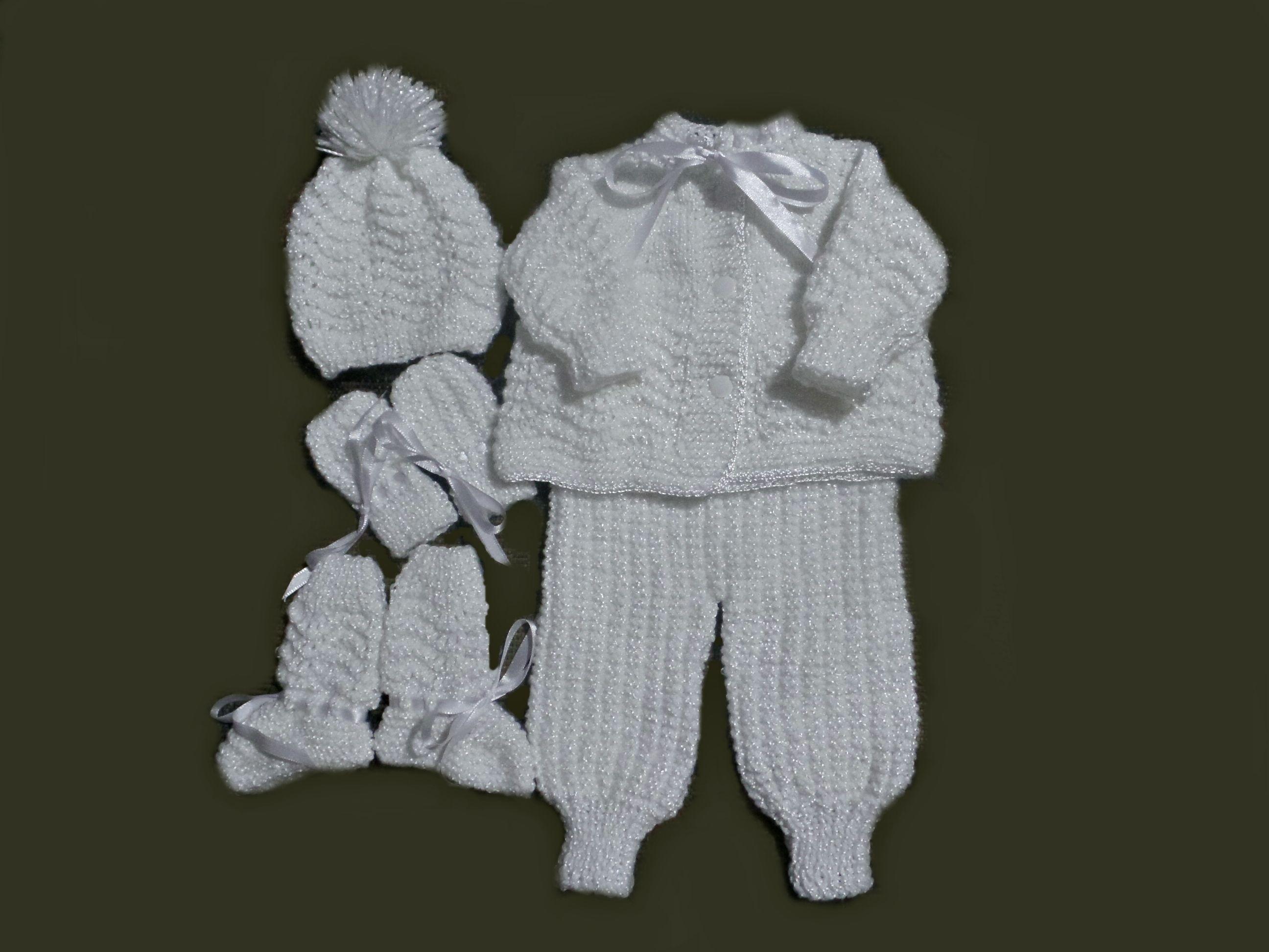 Conjunto em tricô feito à mão para menina ou menino. Confeccionado com lã e  fio b80a2144387