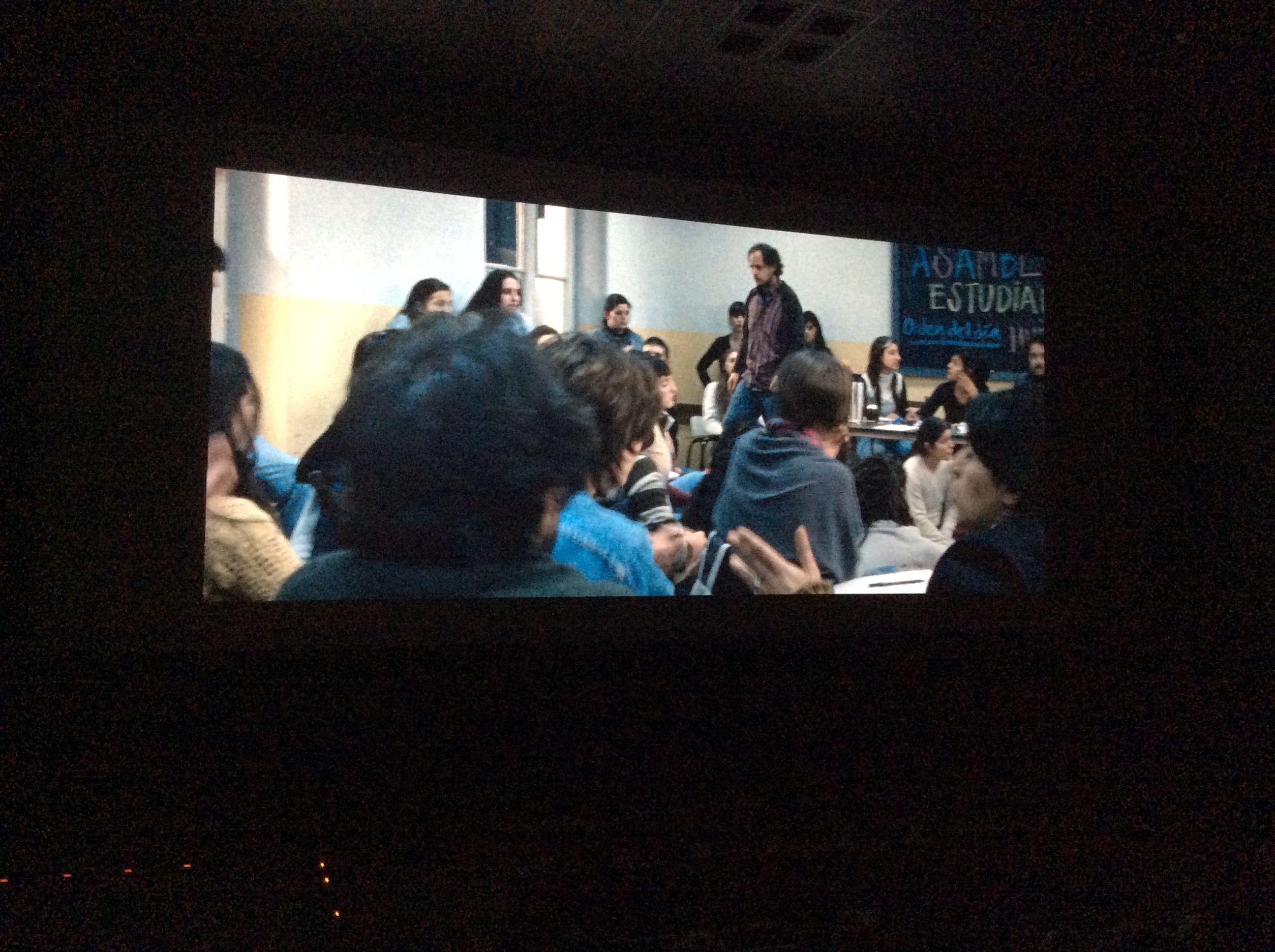 Escena del lugar del hijo donde vemos a Felipe Dieste, actor principal de la película. #festivalcinedelima