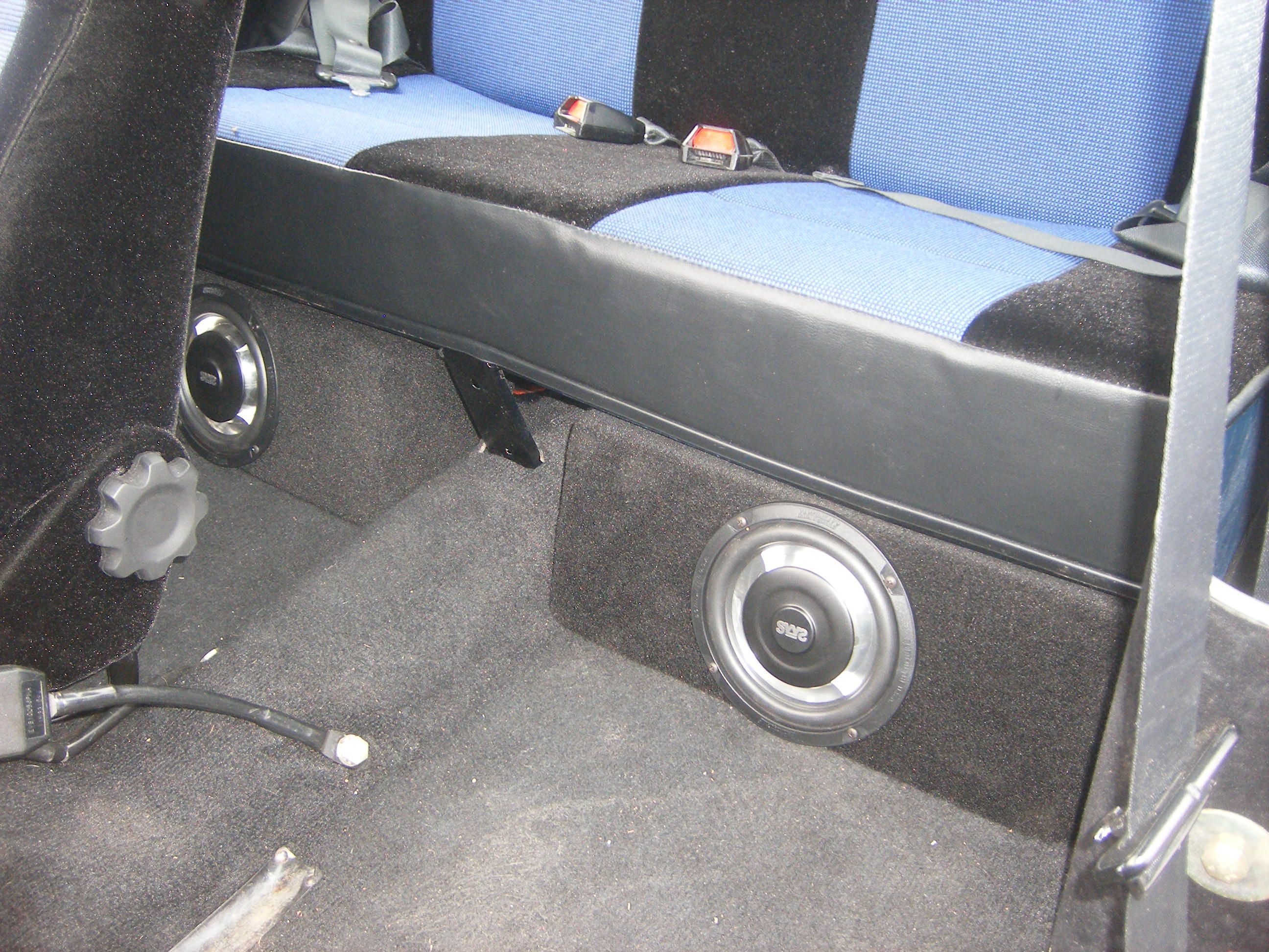 big or small we do it all back in 2007 we did a complete audio install on this right hand drive 76 mini upgrades included a sony stereo  [ 2592 x 1944 Pixel ]