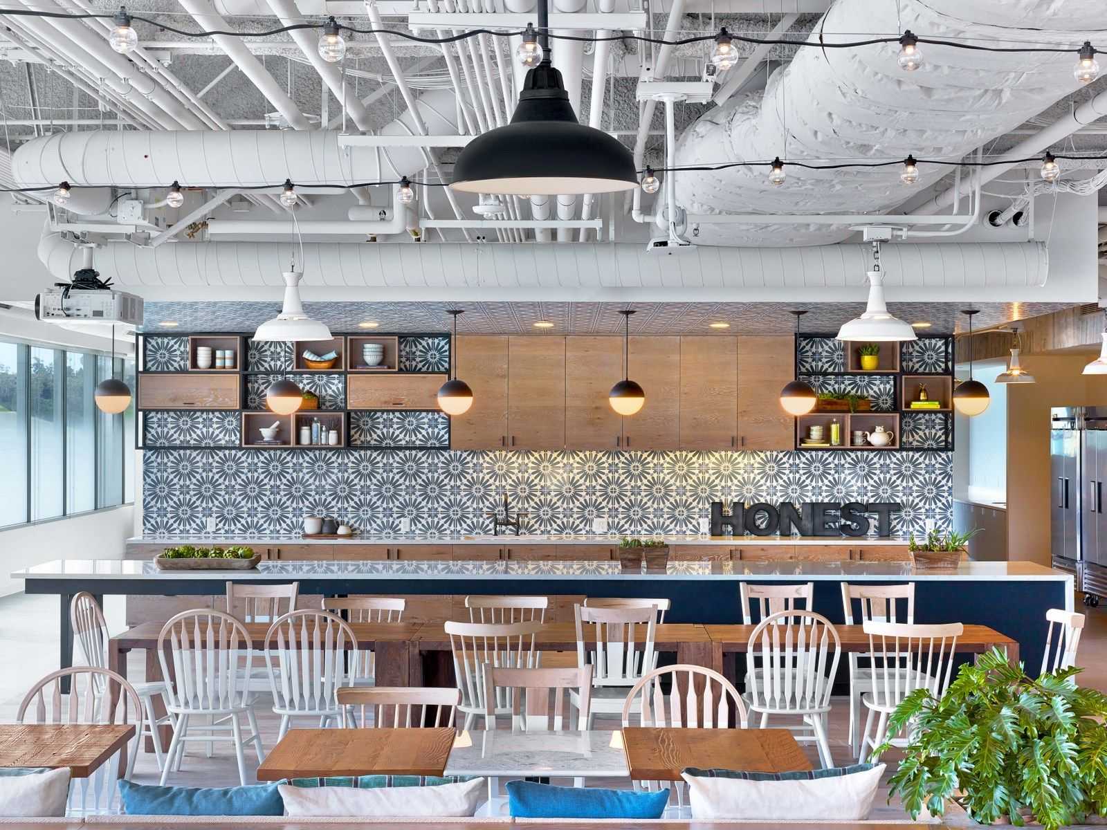 Office Tour The Honest Company Offices Los Angeles Office Space Pinterest Commercial