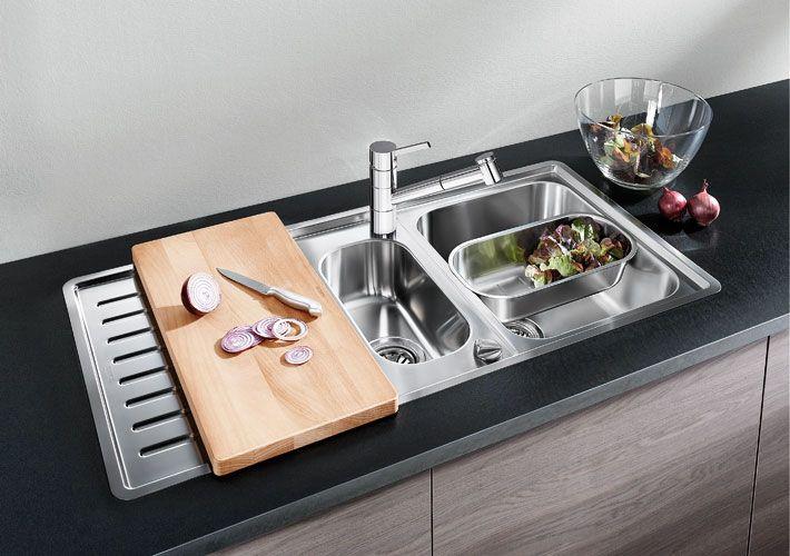 Evier et robinet  du nouveau dans la cuisine Kitchens - decoupe plan de travail pour evier