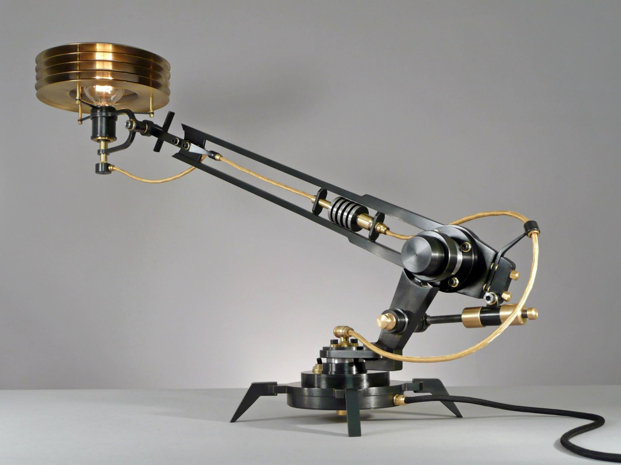 Epingle Par Steve Pruss Sur Design Stuff Lampe Recyclee Luminaire Lampe Steampunk