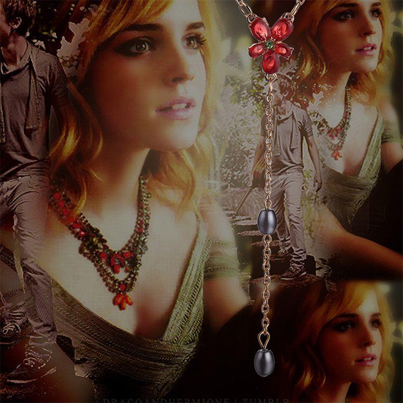 Silent Film Still Woman By Granger: Hermione Granger Flower Necklace