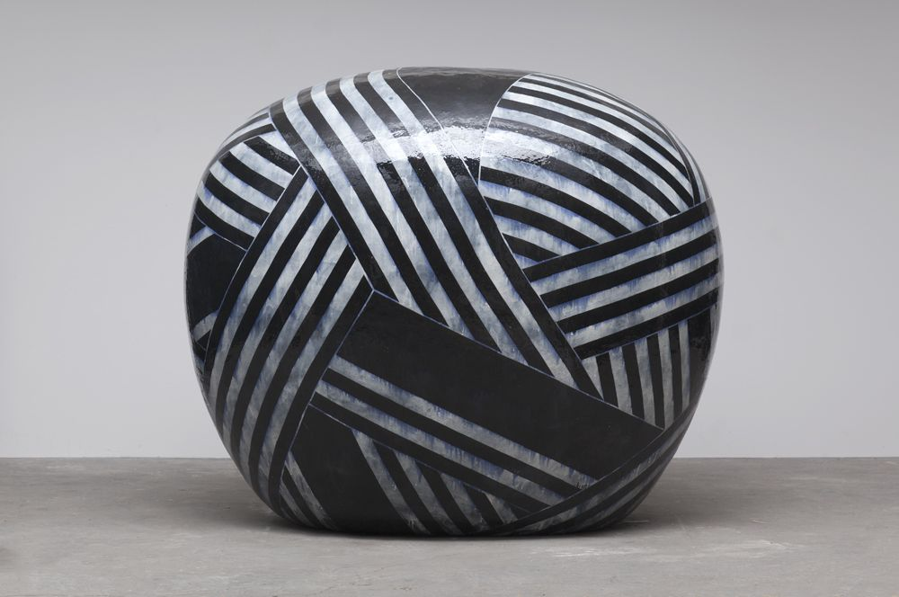 Jun Kaneko - haven't researched this (not sure if it's Raku fired), but love the contrast & dynamism!