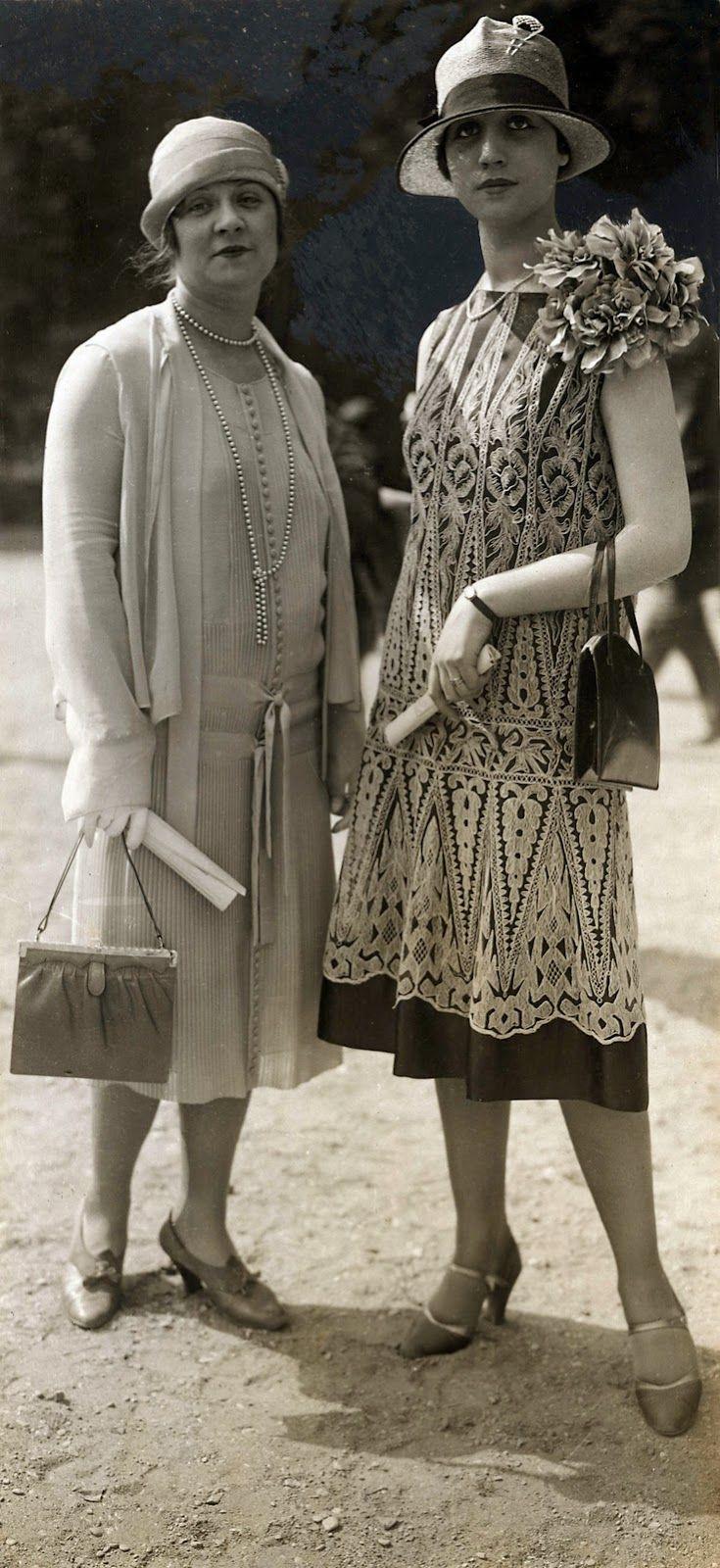 9dd10475f46c5 DÉCADA DE 1920  1921   Criação da Maison Gucci, em Florença, fundada por  Guccio Gucci Não encontrei imagens das bolsas originai.