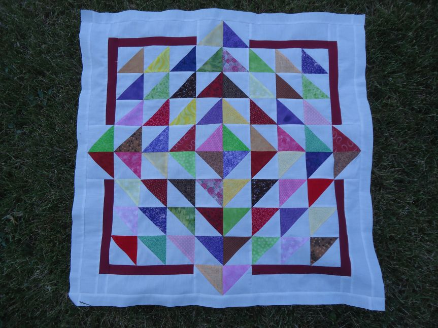 TUTORIAL: Lily Pad Baby Quilt   Baby quilt tutorials, Baby quilts, Half  square triangle quilts pattern