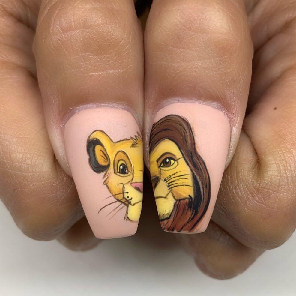 Pin By Fiamma Aguero On Manikyur Lion Nails Disney Nails Disney Acrylic Nails