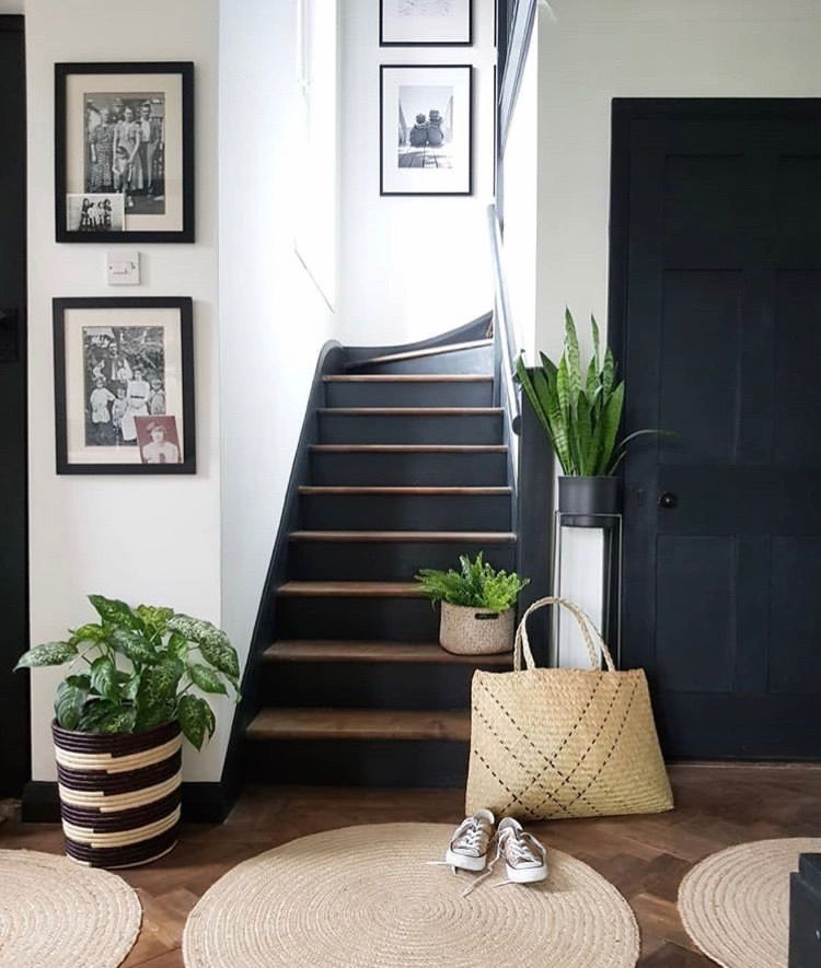21 Attractive Painted Stairs Ideas Pictures: Black Steps And Trim In 2020