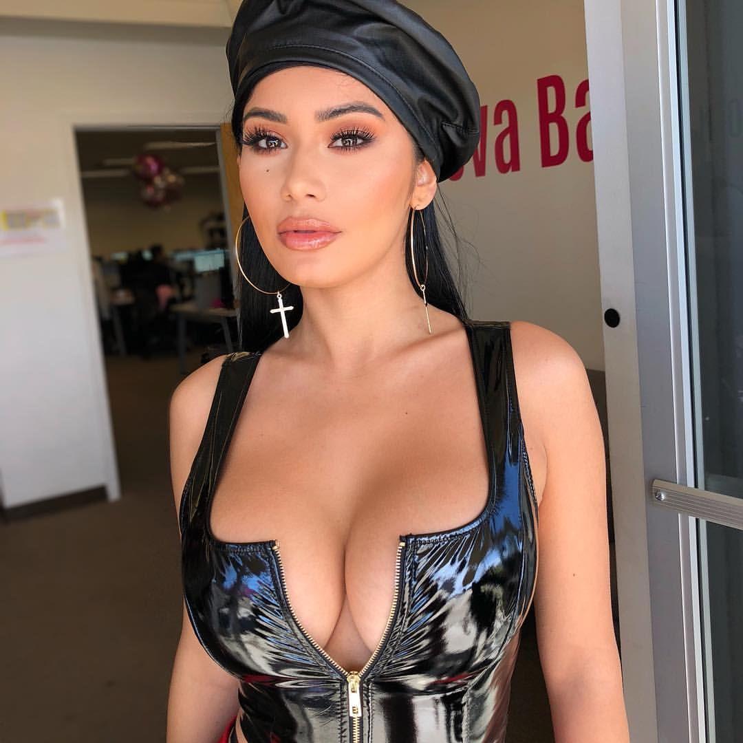 Celebrity Janet Guzman nudes (13 photo), Tits, Hot, Boobs, legs 2019