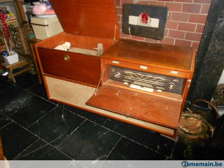 meuble ancien radio vinyle a vendre id es pour la maison pinterest meubles anciens. Black Bedroom Furniture Sets. Home Design Ideas