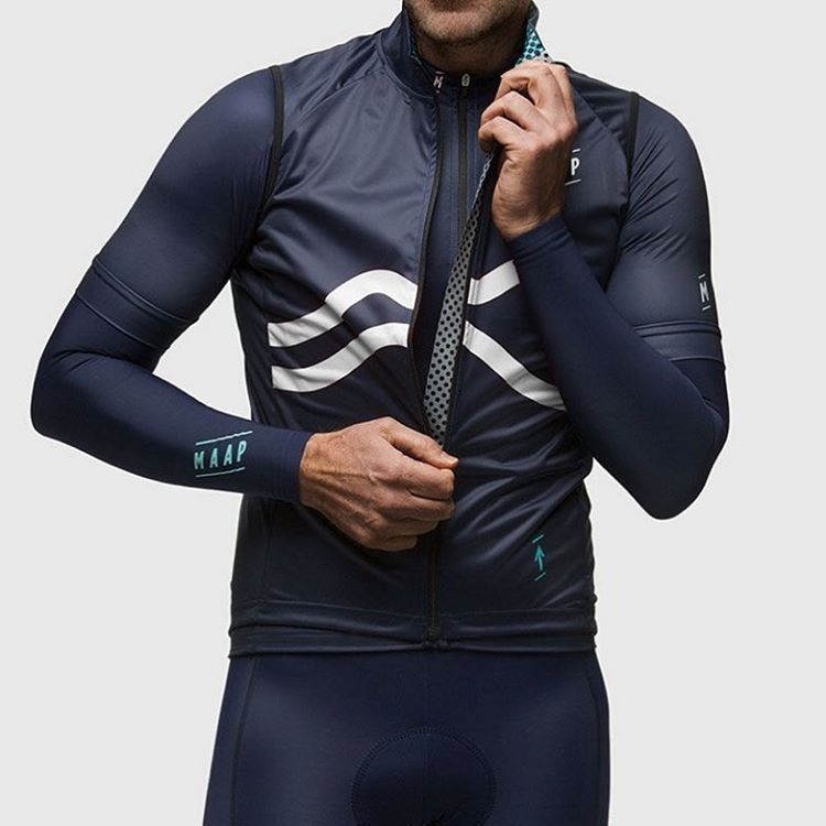 Curve. #cycling #kit #apparel #maap