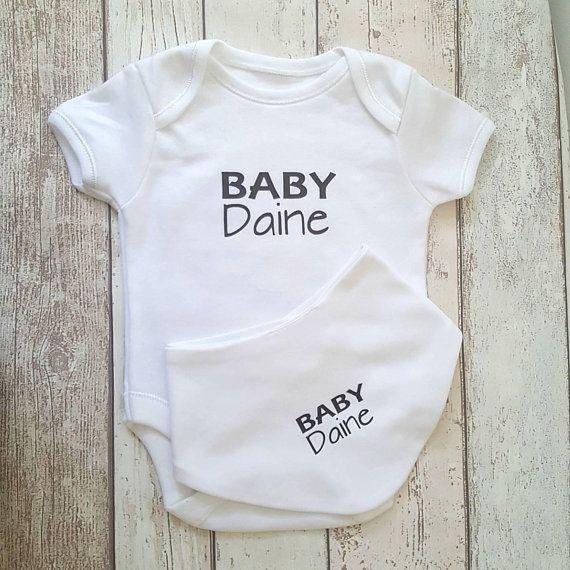 468033417 Personalised baby bodysuit