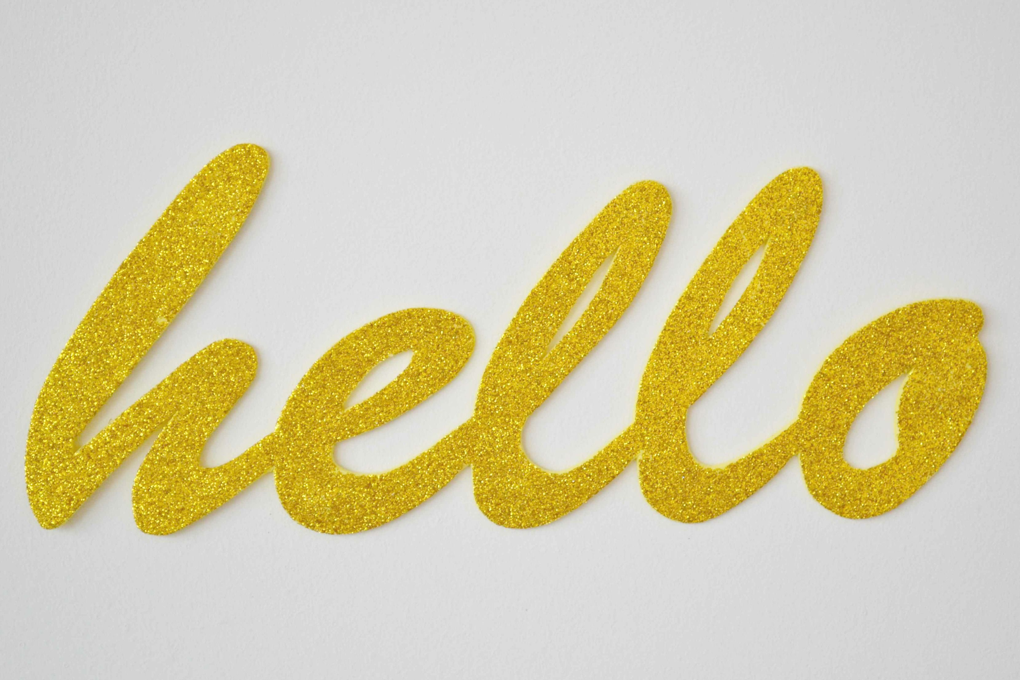 "Guest Post: DIY Glitter ""Hello"" Wall Art (claireabellemakes) 