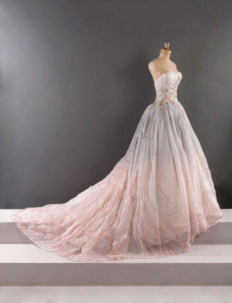 Givenchy haute couture par alexander mcqueen collection for Alexander mcqueen robe de mariage