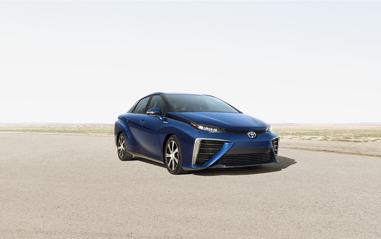 Toyota verwacht dat er bij de verkoopstart van de FCS, de sedan die op waterstof loopt van het merk, geen stormloop naar de dealers zal zijn.