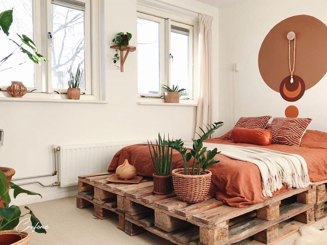 #palletbed #palletbedframe #palletbedframe #palletbedroom #palletbedhead #palletbedsidetable #palletbedbase #bedroom #palletfurniture #pallets #bedroomdecor #bedroominspo