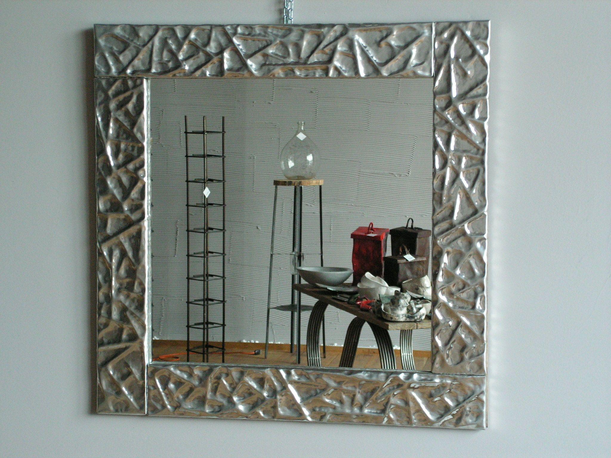 specchio in alluminio lavorato a mano dim. 110 x 110 cm