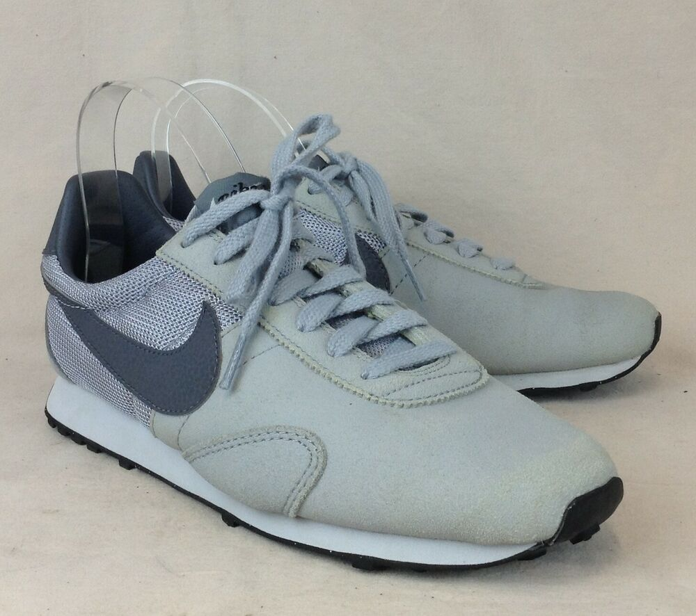 Nike Pre Montreal Racer Size 7.5 US