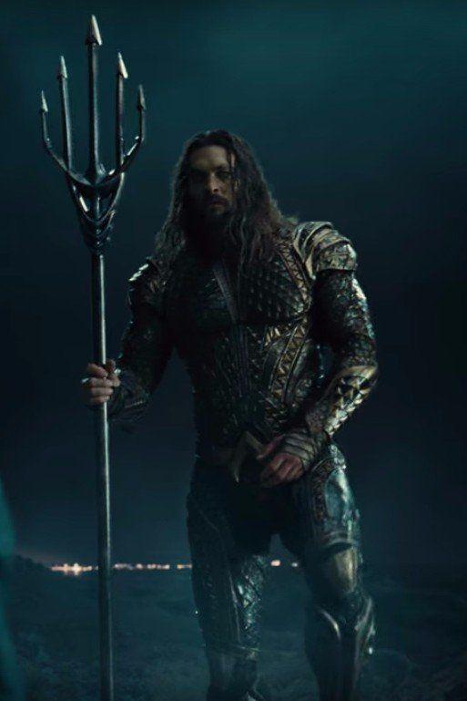 These Photos Of Jason Momoa As Aquaman Prove That He S The Perfect Casting Choice Jason Momoa Aquaman Jason Momoa Aquaman