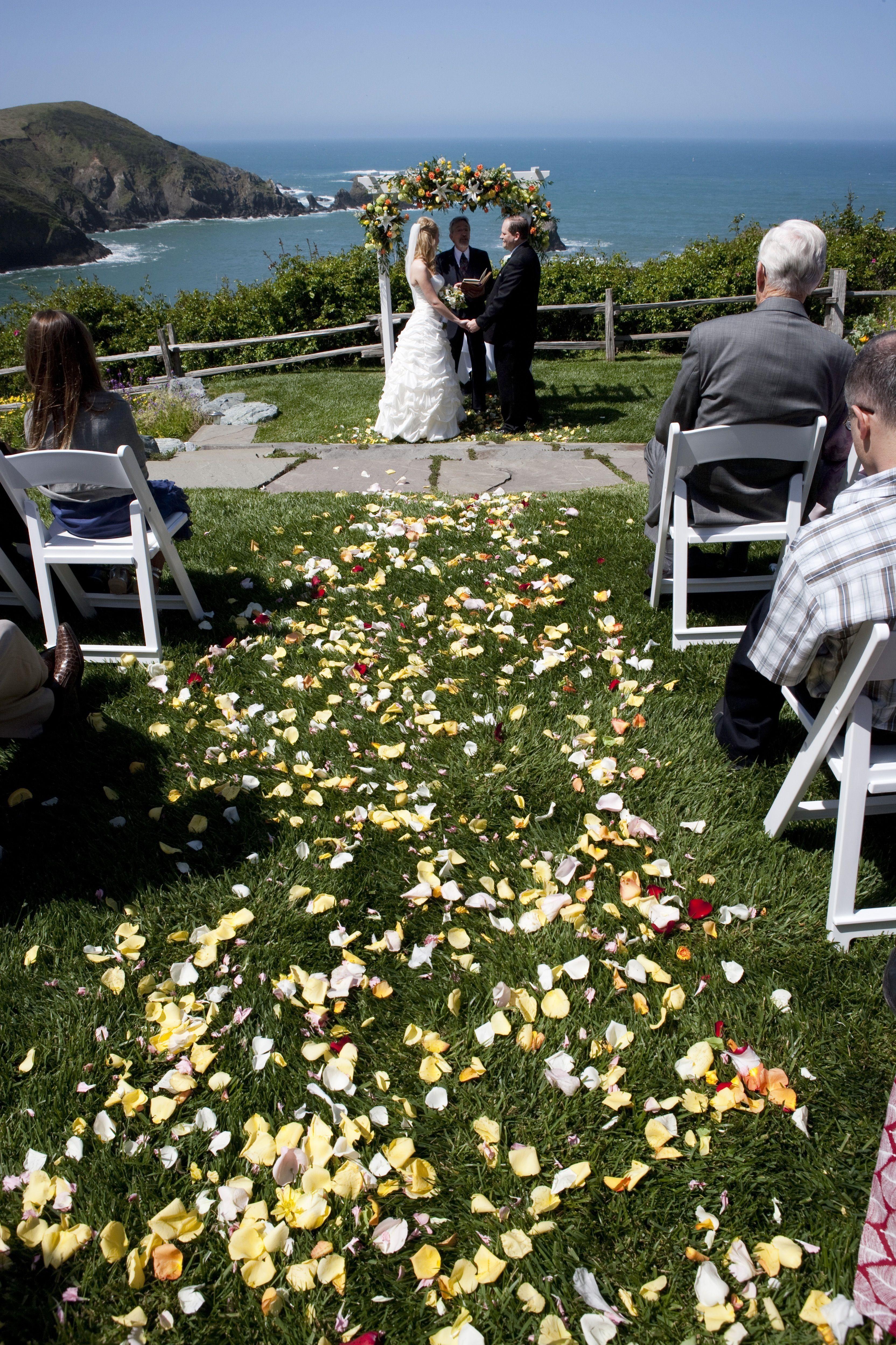 Albion River Inn Wedding In Progress Everyone Loves Petals Lrfarm Albionriverinn Rlutge Photography River Inn Wedding Venues Wedding
