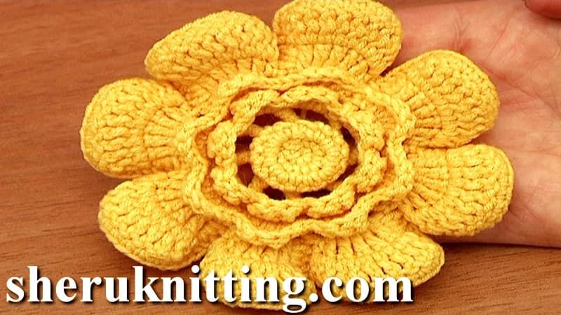 Crochet flower with cupped petals http://sheruknitting.com/tutorials/crochet-flower-lessons/item/859-crocheted-layered-flower-tutorial-95.html In this crocheted flower tutorial you will learn you how to crochet layered flower.