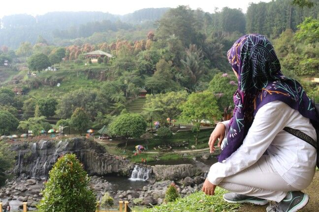 Lets come to Indonesia... I am feel comfort in this place. The air so fresh, not cold or warm. The water so breeze...i like it