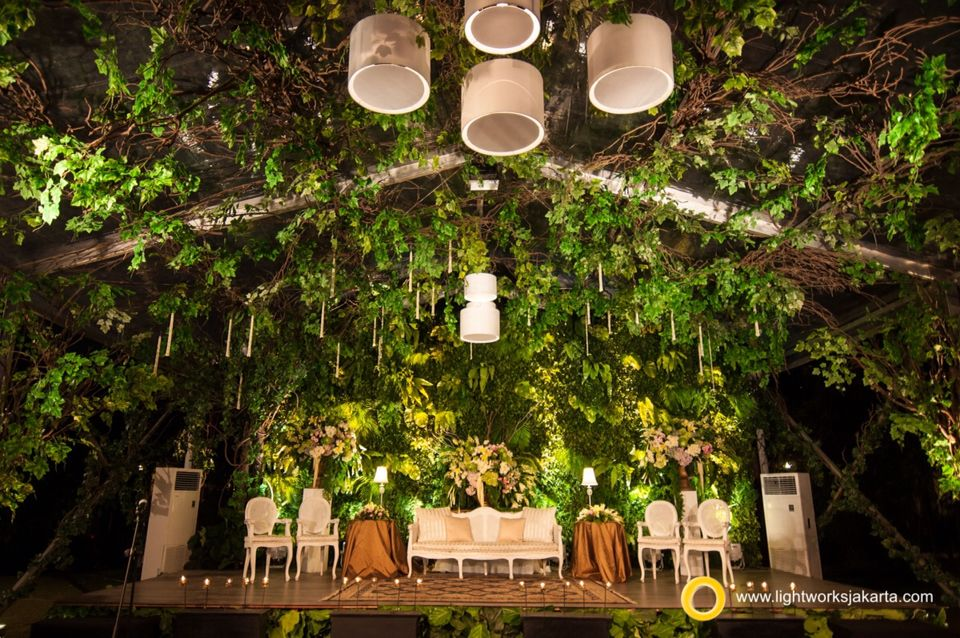 No it is not in the forest or wedding of fairy tale it was a no it is not in the forest or wedding of fairy tale it was the forestjakartawedding decorationswedding junglespirit Image collections