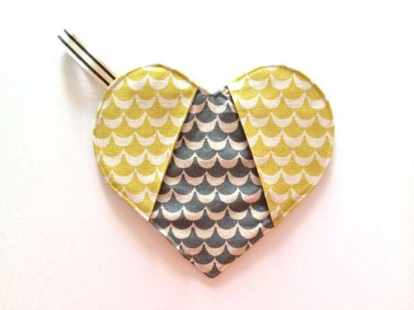 How to DIY Heart Shaped Potholder | Potholders, Heart shapes and ...