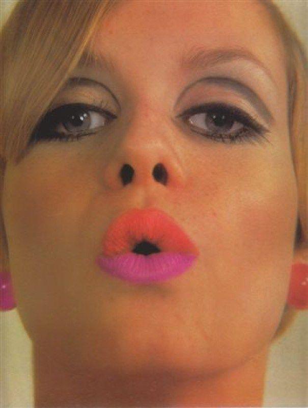Trucco anni '60: capelli voluminosi, occhi ingranditi labbra pop!